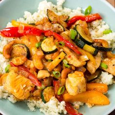 Cashew Chicken With Cauliflower Rice Fall Soup Recipes, Supper Recipes, I Love Food, Good Food, Easy Skillet Dinner, Healthy Diners, Cashew Chicken, Keto Chicken, Veggie Dinner