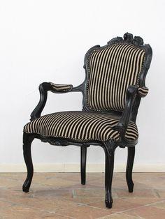 【限定入荷】【アームチェア】クラシック ロココ調猫脚 ゴシック ストライプ黒家具 サイドチェア 肘付き椅子(品番:6082-A-8F59) - 「名古屋のアンティーク調輸入家具のクラシックデモダン」
