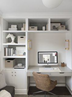 Looking for chic home office design, layout, and decor ideas? Our Home Office Ideas board is full of the best tips, tricks, and hacks for home office space organization and decor # SativaScienceClub Bureau Design, Workspace Design, Home Office Design, Home Office Decor, Office Ideas, Home Office Furniture Sets, Ikea Furniture, Furniture Layout, Furniture Ideas