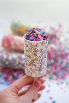 How to: DIY Confetti Poppers // Perfect for a wedding, shower, or party // thesarahjohnson.com