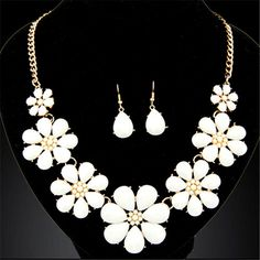 Fashion Jewerly Sets for Women Accessories Vintage Flower Necklace and Earrings Sets Parure Bijoux Femme Statement Collares Flower Necklace, Necklace Set, Vintage Accessories, Vintage Jewelry, Women Accessories, Fashion Necklace, Fashion Jewelry, China Jewelry, Jewellery