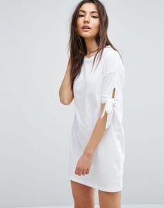 ASOS – T-Shirt-Kleid mit Schleifen an den Ärmeln