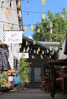cute shops and restaurants on bainbridge island