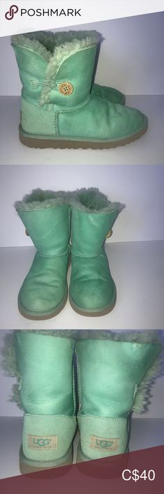 UGG Bailey Button Tiffany Blue Boot Girls Sz 4 Cute Preowned Boots Girls Sz 4 - Women's Sz ( I wear a size 6 and these fit ) Some stains and wear - see pics One knick on the side - see pics Feline Friendly and Smoke Free Home UGG Shoes Boots Ugg Bailey Button, Blue Boots, Plus Fashion, Fashion Tips, Fashion Trends, Tiffany Blue, Ugg Shoes, Uggs, Stains