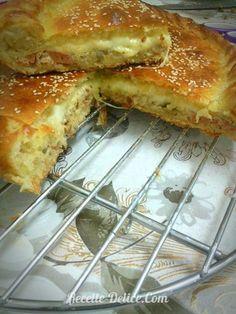 tourte burger1 No Salt Recipes, My Recipes, Cooking Recipes, Plats Ramadan, Eclairs, Flan, Sandwiches, Bakery, Brunch