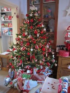 dots and spots christmas tree