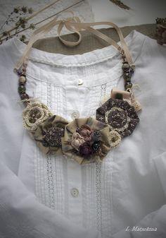 Купить Колье Сорбе - коричневый, бежевый, шоколадный, лиловый, колье, колье ручной работы, цветочный