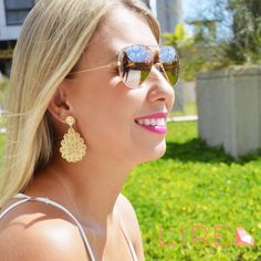 Brinco Folheado a Ouro, perfeito para arrasar nesse finalzinho de verão! www.lireacessorios.com.br Whatsapp 11 95249-6050 #lireacessorios #amolire #semijoias #brincos #folheado #acessorios #usolireacessorios #estilo #tendências #moda #verao