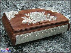 Caja de madera decorada con estaño. www.manualidadespinacam.com #manualidades #pinacam #estaño #aluminio