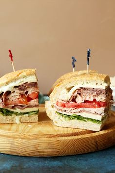 Save the recipe! Roast Beef Salad, Club Sandwich Recipes, Bacon Dressing, Best Dishes, Recipe Of The Day, Sour Cream, Sandwiches, Cooking Recipes, Chips