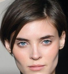 28 Most Flattering Bob Haircuts for Round Faces in 2019 - Style My Hairs Kids Bob Haircut, Bob Haircut For Round Face, Blonde Bob Haircut, Round Face Haircuts, Pixie Bob Hairstyles, Hairstyles Haircuts, Bob Haircuts, Matthew Williamson, Short Hair Cuts