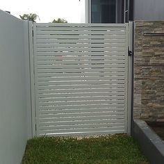 5 Admirable Clever Tips: Garden Fence Responsibility Privacy Fence Lights.Yard Fencing Ideas For Dogs Modern Fence Gate.Front Yard Fence With Driveway Gate. Fence Landscaping, Backyard Fences, Yard Fencing, Pool Fence, Front Yard Fence, Farm Fence, Cheap Privacy Fence, Privacy Screens, Fence Doors