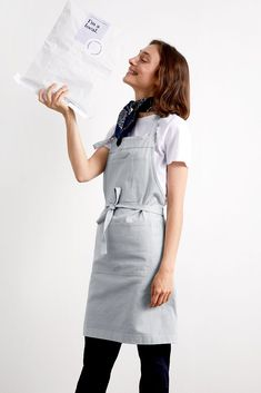 Ice Ice Baby! Our Bonnie Apron in Ice Grey has arrived – not that it had far to travel 🌟 Woven, dyed and sewn in Victoria exclusively for you, it's all ready to make its way to your kitchen (or under your Christmas tree…?🎄) Kitchen Apron | Cooking Apron | Christmas Gift Ideas | Australian Made | Cooking Gift Ideas