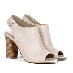Sole Society comes in black,ivory and brown so cute on sale now