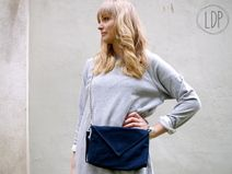 Carry all you need for a day or night out!  BIO Canvas Tasche mit  Panzerkette  nachtblau