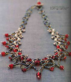 Woven Bead Necklace for Christmas Seed Bead Necklace, Seed Bead Jewelry, Beaded Necklace, Beaded Bracelets, Red Necklace, Necklaces, Beaded Jewelry Patterns, Beads And Wire, Jewelry Crafts