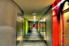 Resultado de imagem para corredores de hoteis