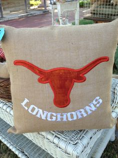 Need to figure out how to make this. Looks doable with burlap possibly. Texas Longhorns Football, Ut Longhorns, Applique Patterns, Embroidery Applique, Embroidery Ideas, Hook Em Horns, Burlap Pillows, Home Decor Styles, Seasonal Decor