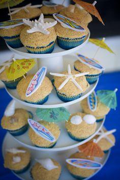 Beach party cupcakes!