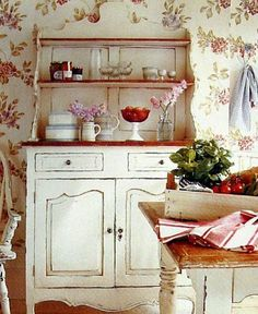 love this whole look - Laura Ashley - love this whole look – Laura Ashley - . - love this whole look – Laura Ashley – love this whole look – Laura Ashley – - Red Cottage, Cozy Cottage, Cottage Living, Cottage Style, Laura Ashley Home, Cottage Interiors, Home And Deco, Wabi Sabi, Country Decor