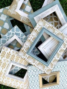 set of 9 distressed frames multiple patterns in robins egg, metallic gold, & heirloom white Home Confort, Marco Diy, White Wood Table, Painted Picture Frames, Distressed Frames, Simple Pictures, Robins Egg, Frame Crafts, Home And Deco