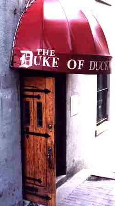 Duke of Duckworth Pub in Newfoundland-definately going for a pint there also used in The Republic of Doyle show Newfoundland Recipes, Newfoundland And Labrador, Vacation Trips, Vacations, Places To See, Places Ive Been, Mists Of Avalon, Writing Promps, Atlantic Canada