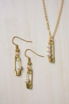 tutos: Collar y pendientes de perlas incrustadas en un imperdible