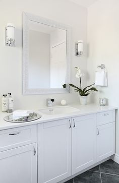 After shot of the Main (Guest) Bathroom. Photography by Aristea Rizakos