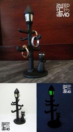 Porta anelli fimo, lampione, gatto, fluorescente, gatto nero, ring holder fimo, polymer clay, black cat, light lamp, luminescent, fluorescent, fluo, jewel case