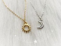 30 Unique Best Friendship Necklaces That Are the Best Ever! Discover the BEST Friendship Necklaces for yourself and your BFF here in our compilation of the cutest friendship necklaces on the planet! Bff Necklaces, Best Friend Necklaces, Best Friend Jewelry, Unique Necklaces, Beaded Necklaces, Friend Rings, Diamond Solitaire Necklace, Ring Necklace, Necklace Ideas