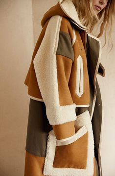 The Chloé Fall 2015 collection Fall Outfits, Fashion Outfits, Womens Fashion, Fashion Trends, Elisa Cavaletti, Langer Mantel, Winter Mode, Shearling Jacket, Ready To Wear