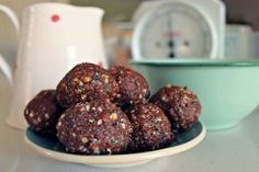 The ONLY Bliss Ball Recipe You Will Ever Need Base Foods, I Foods, Cocoa, Bliss Balls, Protein Ball, Energy Snacks, Healthy Treats, Healthy Eating, Healthy Cookies