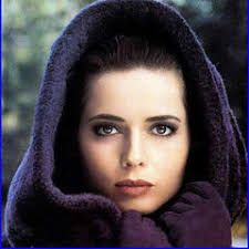 Discover Isabella Rossellini famous and rare quotes. Share Isabella Rossellini quotations about mothers, films and elegance. Isabella Rossellini, Timeless Beauty, True Beauty, Iconic Beauty, Classic Beauty, Most Beautiful Women, Beautiful People, Beautiful Person, Soft Classic Kibbe