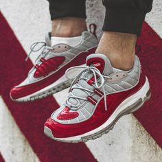 online store 91720 0b237 Supreme x Nike Air Max 98 - Varsity Red - 2016 (by pallas official) Pink