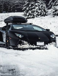 The owner of this car knows not to keep it in the garage but take it out in style as a car is meant to be driven. He is doing Things That Matter to him. #ttmlifestyle #aventador #lamborghini