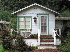 itty bitty homes, cottages, cabins - beachfront, this would be MINE! All MINE!