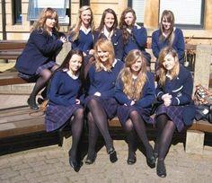 School Uniform Outfits, Cute School Uniforms, School Girl Dress, School Wear, Cool Tights, Black Tights, Pantyhose Outfits, Pantyhose Legs, Nylons