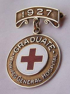 Winnipeg nursing pin, 1927. Nurse Pics, Nurse Stuff, Nursing Pins, Nursing Career, Lpn Courses, Vintage Nurse, Nursing Graduation, Nightingale, General Hospital