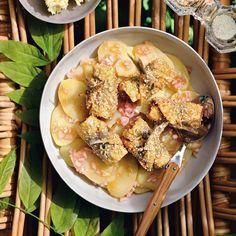 Μια συνταγή που θα ερωτευθείς: Κοτόπουλο με γλυκόξινη σάλτσα ? κουζινα › αφιερώματα || ELLE Pasta Salad, Potato Salad, Buffet, Potatoes, Chicken, Meat, Cooking, Ethnic Recipes, Table