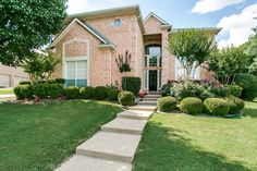 SOLD IN JUST 5 DAYS! 1306 Normandy Court- This beautifully updated home, nestled on a cul-de-sac in the established Stone Lakes subdivision in Southlake! A big congratulations to the new homeowners! #southlake #homesweethome #keoughangroup #5days #SOLD