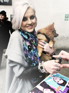 Perrie & Hatchi These Girls, Cute Girls, Sad Heart, Irish Boys, Perrie Edwards, Little Mix, Alexander Mcqueen Scarf, Two By Two, Winter Hats