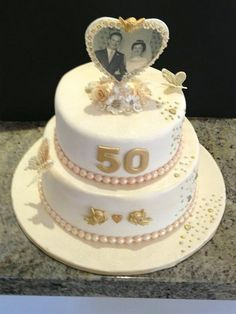 wedding anniversary cake accessories - Enchanting Wedding Anniversary Cake Ideas Inspirations You Must See - First thing first: congratulation on your wedding anniversary! Well, it is indeed a great job to get this far—fifty years together! Diamond Wedding Anniversary Cake, Anniversary Cake Pictures, Diamond Wedding Cakes, Golden Anniversary Cake, 50th Anniversary Cakes, Cake Ideas, Cake Decorating, Decorating Ideas, Cake Toppers