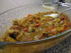 Pittige Indonesische kip. Een heerlijk en simpel Indonesisch recept wat in een paar minuten in de braadzak klaar kan worden gemaakt.