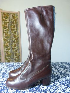Brown faux leather knee high DAMART mod go-go boots - size 8,5 or 39 - French 60s vintage