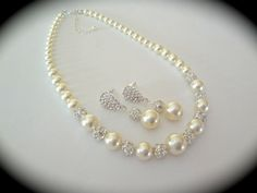 Pearl necklace // Classic // Chunky // by QueenMeJewelryLLC, $56.99