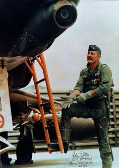 Fighter Pilot, Fighter Jets, Robin Olds, F4 Phantom, Vietnam War Photos, War Photography, Vietnam Veterans, War Machine, Military History