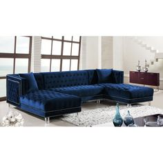 Navy blue velvet sectional sofa design with blue velvet furniture navy blue sectional sofa ideas Blue Sectional, U Shaped Sectional, Modern Sectional, Blue Sofas, Round Sectional, Sleeper Sectional, Meridian Furniture, Chaise Sofa, Chaise Lounges