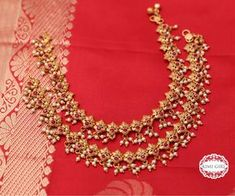 Individuals sought for: anklets for women! look up to thousands of hand made, vintage, and distinct items and gifts related to personal search. Tikka Jewelry, Indian Jewelry, Wedding Jewelry, Jewelry Design Earrings, Gold Jewellery Design, Gold Jewelry, Diamond Jewelry, Jewelry Bracelets, Gold Anklet