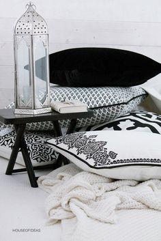 HOUSE of IDEAS black&white pillow