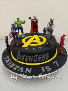 avengers cake ideas / avengers cake & avengers cake ideas & avengers cake buttercream & avengers cake easy & avengers cake pops & avengers cakes for boys & avengers cake diy & avengers cake ideas easy Avengers Birthday Cakes, 5th Birthday Cake, Superhero Birthday Cake, Pastel Avengers, Captain America Cake, Captain America Birthday Cake, Hulk Cakes, Batman Cakes, Marvel Cake